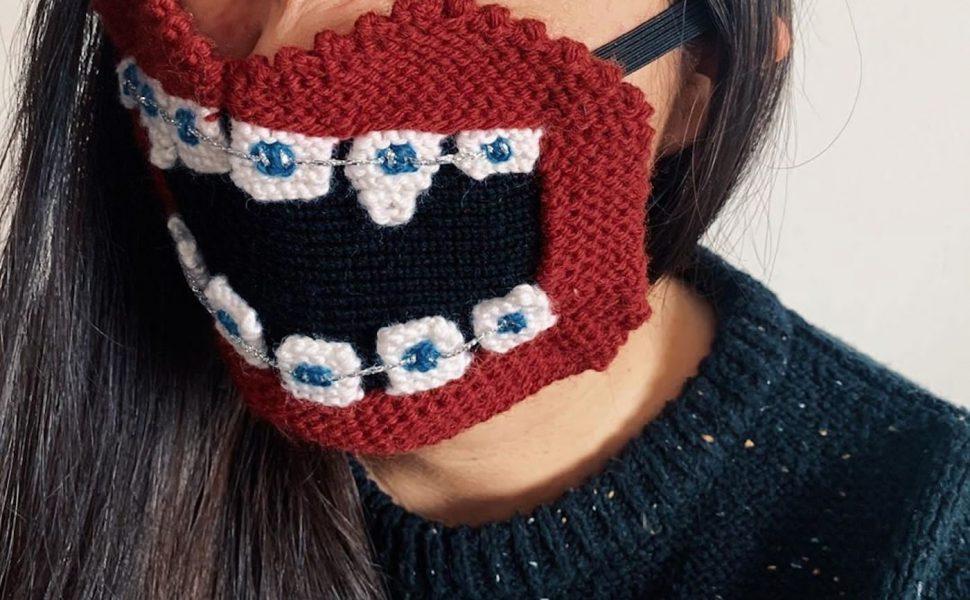 gestrickte Gesichtsmasken (knitted face masks)